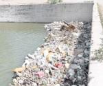 Tira de basura en calles provoca las inundaciones