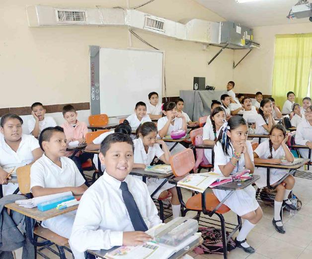 Casi termina el ciclo escolar y faltan 25 maestros