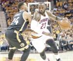 Cavaliers arrolla a  Raptors