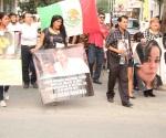 Marchan madres de desaparecidos