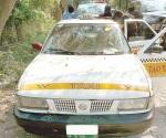 Recuperan taxi robado y atrapan a responsables