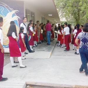 Presentan exámenes casi mil aspirantes a bachillerato