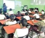 Orientan a alumnos sobre enfermedades