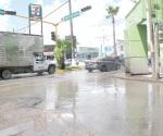 Desesperan aguas negras en Las Fuentes