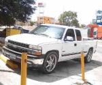 Violento despojo de vehículo a empleados