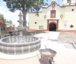 Rehabilitan jardín de iglesia de Santa Ana