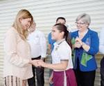 Recibe alcaldesa  infantil invitación de Maki Ortiz