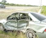 Choca y resulta con lesiones conductor