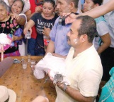 Alcalde en Oaxaca se casa con un caimán