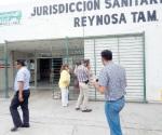 Retiran mantas de los inconformes en sector salud