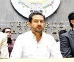 Exhiben al senador Yunes Márquez con líder zeta