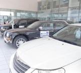 Ofrecen autos en 10 mil y ahora reclaman clientes
