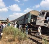 Choque de trenes deja 15 muertos en Egipto