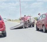 Mudanza casi provoca tragedia en carretera