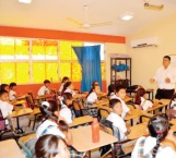 Reanudan clases 180 mil estudiantes