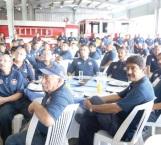 Festeja Maki a bomberos y anuncia Compra de camión nuevo