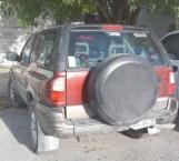 Cae mujer en camioneta con reporte de robo reciente