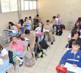 Piden que decidan si suspenden clases en las escuelas