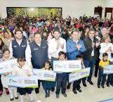 'Bienestar educativo' entrega 300 becas
