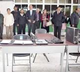 Ex alumnos de la Mario González hacen donativo