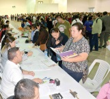 Incrementarán recursos para becas municipales