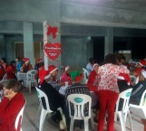 Ofrecen festejo navideño a abuelitos