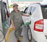 Llama Pemex a no especular con precio del combustible