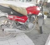 Vandalizan una moto y la abandonan en la Doctores