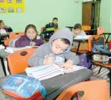 Onda gélida toma por sorpresa a niños en escuelas