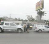 Falla de frenos ocasiona aparatoso accidente vial