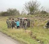 Militares heridos en aparatosa volcadura