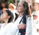 Van fieles con armas a misa en Pensilvania
