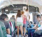 Persisten quejas contra choferes de los microbuses