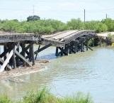 Exponen vida en puente; estructura ya no da más