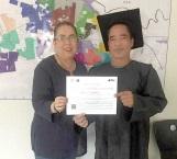 Pone todo su empeño y logra revalidar estudios venezolano