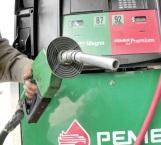 Alto costo de gasolina obliga a trabajadores a dejar autos en las casas