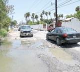 Insoportable olor de aguas negras en colonia Petrolera