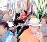 En compás de espera abuelitos del 65 y Más