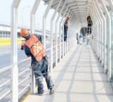 Despejan área de puente internacional invadida