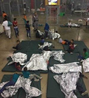 'Enjaulan' a migrantes