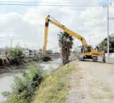 Supervisan inicio de  los trabajos en canales y drenes