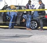 Abandonan 6 cadáveres en un vehículo en Neza