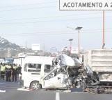 Mueren 13 personas en choque en Edomex