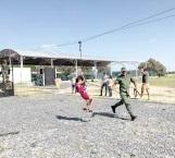 Disfrutan familias de quinto paseo dominical en cuartel