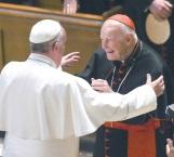 Papa recluye a cardenal