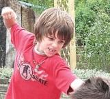 Mi hijo pega a otros niños: ¿qué hacer para solucionar?
