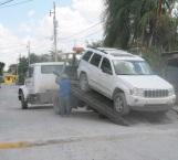 Aseguran camioneta sospechosa