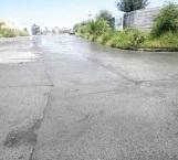 Grave desperdicio de agua limpia por una fuga