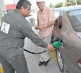 Urge a empresarios que baje precio de la gasolina en frontera