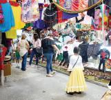 Presente la tradición de volver a gritar con fuerza '¡Viva México!'